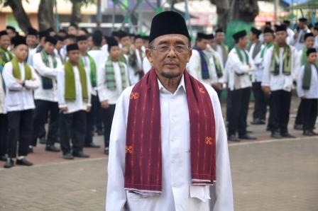 Sarung Betawi, sumber : Pondok Pesantren Darunnajah