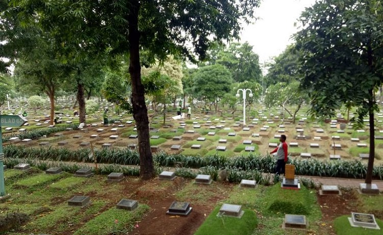 Gambar kuburan, Sumber : muslim.okezone.com